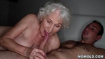 Chubby granny sucks off strangers husbands guy