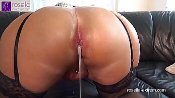 sexy slut gets her asshole covered with warm sperm