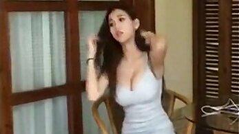 asian girls permeating whole tub