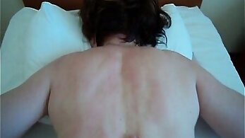 Big ass mature mother fucked by the masseur and cum