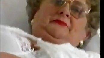 BBW granny likes fucking