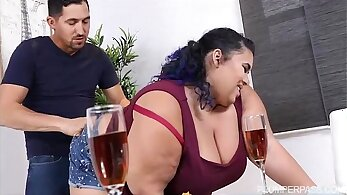 Busty chubby with sexy frame Malone