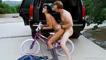 Very Hot Breanne Benson in Riding Cock in car
