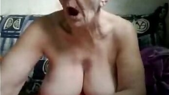 Granny Cameltoe a homemade webcam