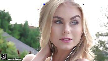 Blonde Dirtbag Cums While Riding A Big Cock