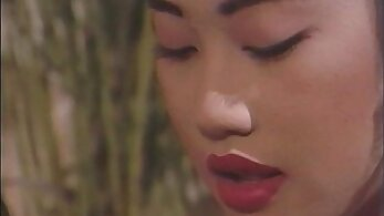Asian chick Natasha classic tastes herself