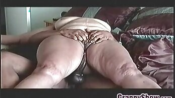Amateur granny sucking and riding cock