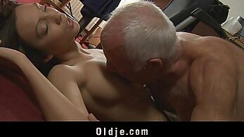 Beautiful babe Dillion Young sucks large cock of her boss