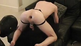 Curvy slut gets a ride at a moaning fist