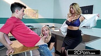 Alyssa-young college party and hot Julianne Fox fucks teacher Loony