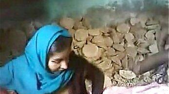 Amateur Pakistani Couple BJ And Taking Facial